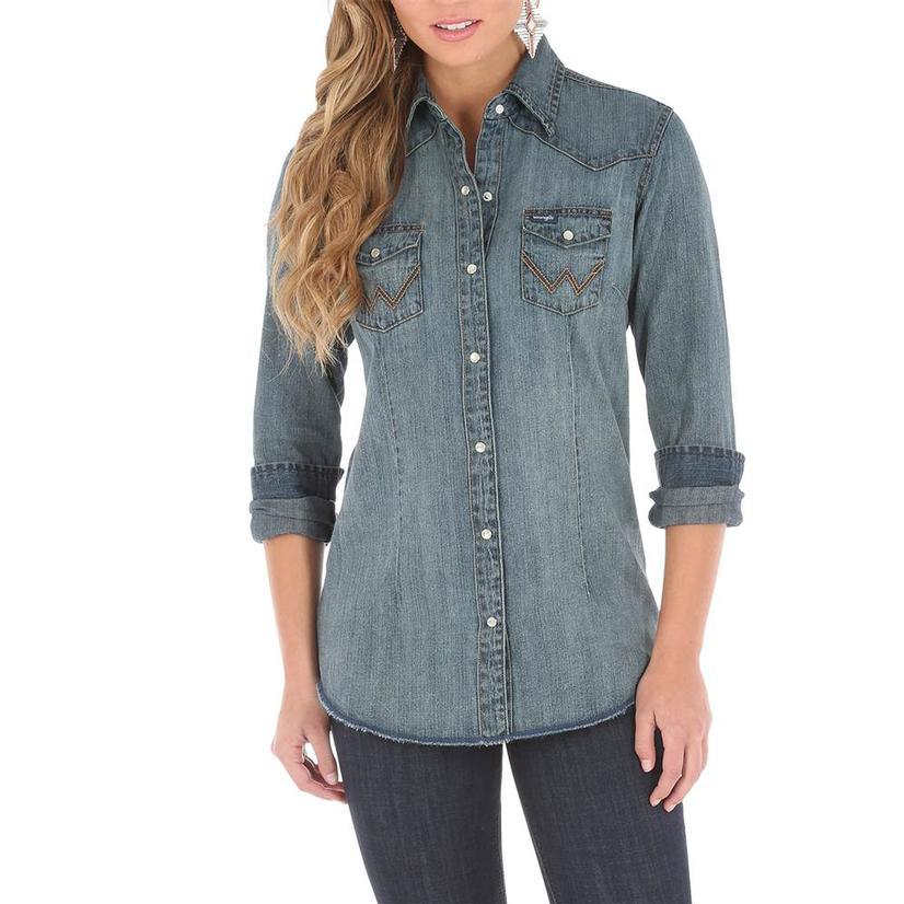afe84fb7 Wrangler Womens Vintage Denim Western Snap Shirt