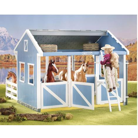 Breyer Classics Country Stable with Wash Stall 1:12 Scale