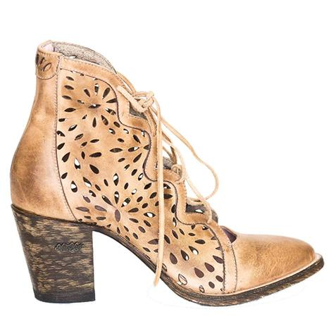 Miss Macie Womens Waitin On Friday Beige Laser Cut Bootie