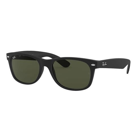 Ray-Ban Wayfarer Classic Black Frame Sunglasses with Green Classic G15 Lenses